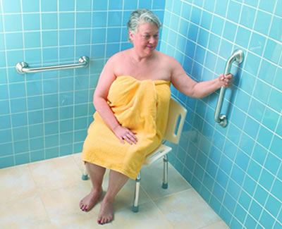 GB 6 shower with lady 2 bars