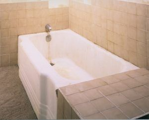 If you bathtub has lost its shine or is a rusty color, its time for a refinishing!